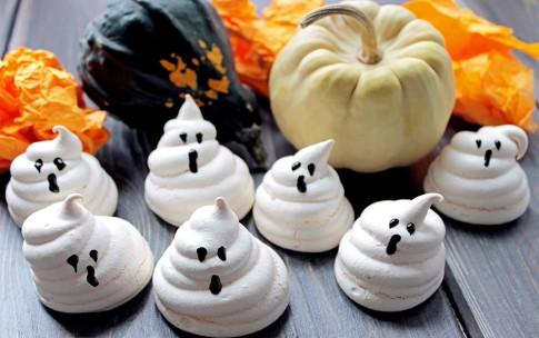 Хэллоуин, блюда на Хэллоуин, рецепты на Хэллоуин, праздничные блюда, оформление блюд на Хэллоуин, праздничный стол на Хэллоуин, блюда-монстры, меренги, безе, сладости, сладости на Хэллоуин, десерты на Хэллоуин, блюда мз яиц, блюда из белков,