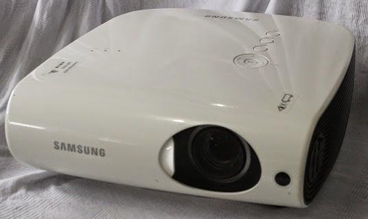harga Samsung SP-L220 Projector bekas