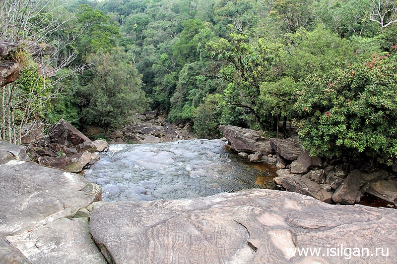 Водопал Попоквил. Национальный парк Бокор. Камбоджа