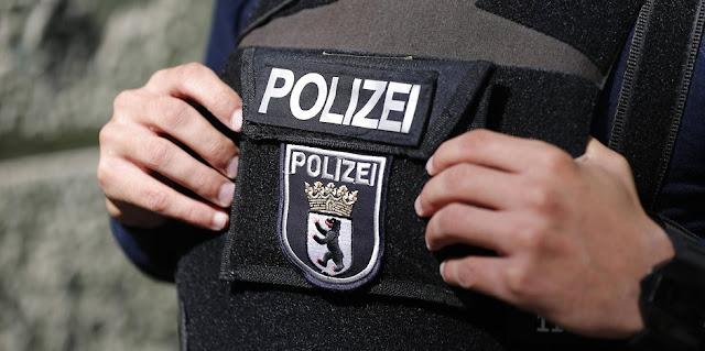"""Um homem foi preso durante a noite em Berlin suspeito de ser um membro da milícia terrorista """"Estado Islâmico"""", informaram as autoridades"""