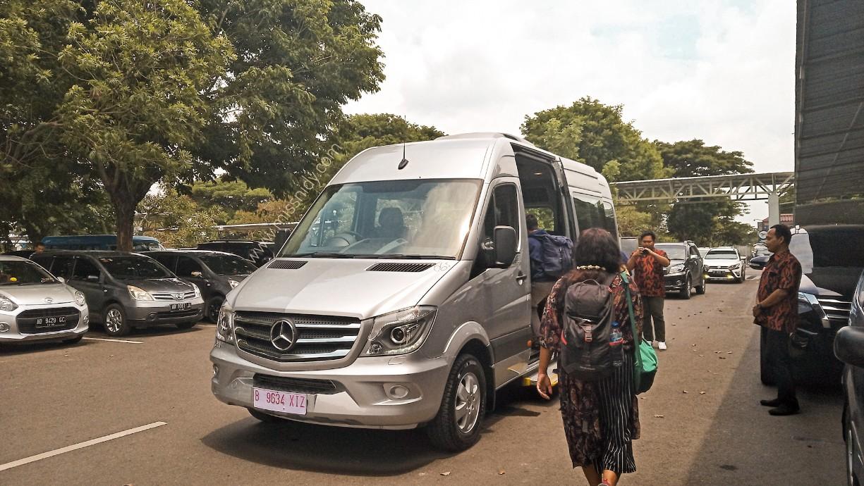 airport transfer ke bandara adi soemarmo