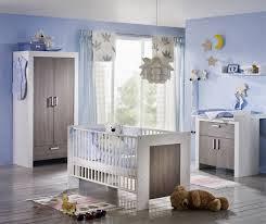 Cuarto bebé celeste gris