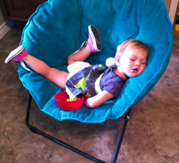 15+ Hilarious Pics That Prove Kids Can Sleep Anywhere - Napping On The Armchair