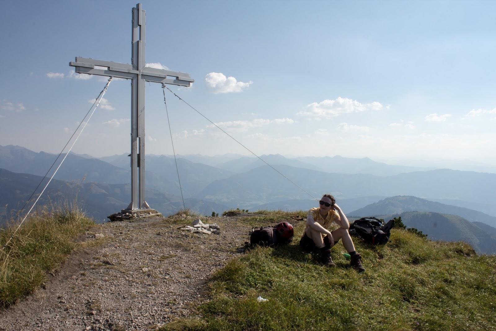 Von der Ardningeralmhütte über den Wildfrauensteig auf Frauenmauer, Bosruck und Kitzstein. - Gipfelkreuz Kitzstein