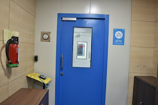 Access control entry system for Class 100 Clean Room Lab