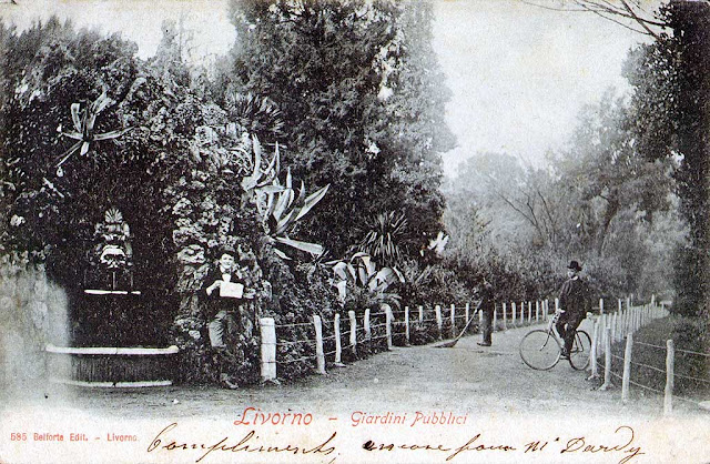 Old postcard, mascaron fountain, Parterre, Livorno