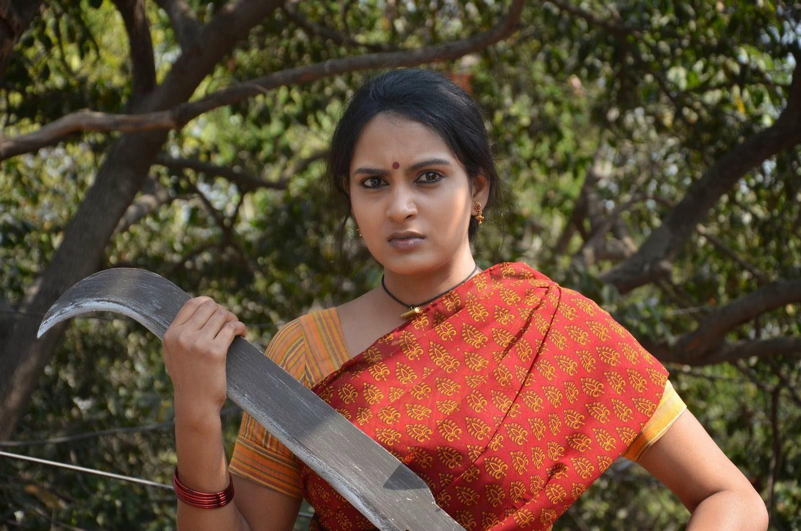 Himaja-Veta Kodavallu Telugu Cinema Wallpapers, Telegu Actress Himaja Hot Pics In sare from Veta Kodavallu Movie