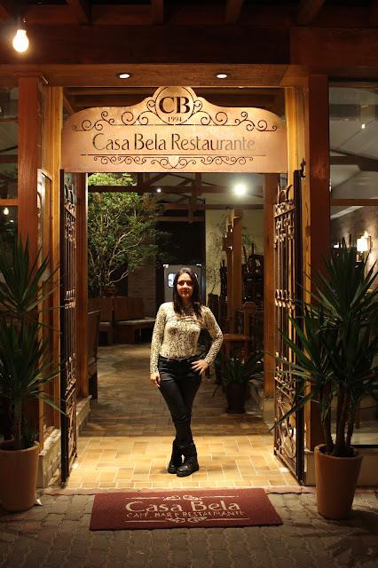 Entrada do Restaurante Casa Bela, em Holambra, São Paulo.