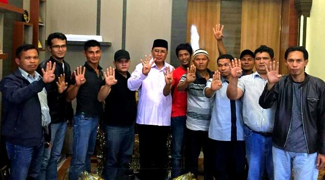 Pak Olon: Pemuda Aceh Tenggara Bertekad Menangkan Zaini - Nasruddin