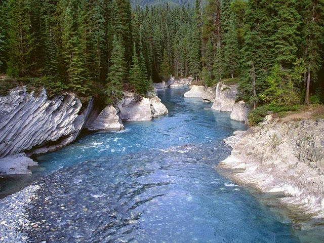 http://www.softstills.com/2014/10/mountain-river-photos-nature-wallpapers.html