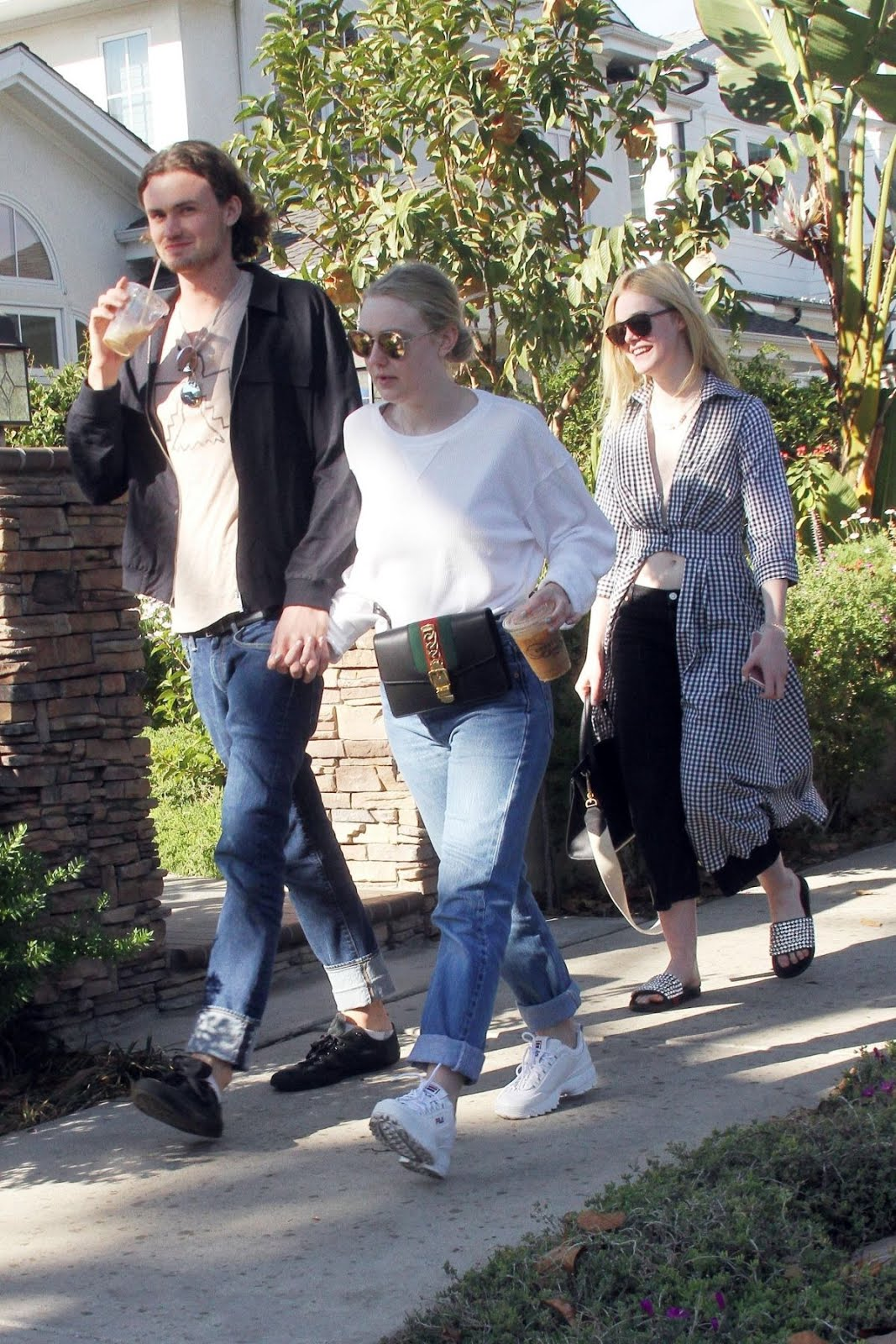 Photos of Dakota And Elle Fanning Out For Lunch In Studio City