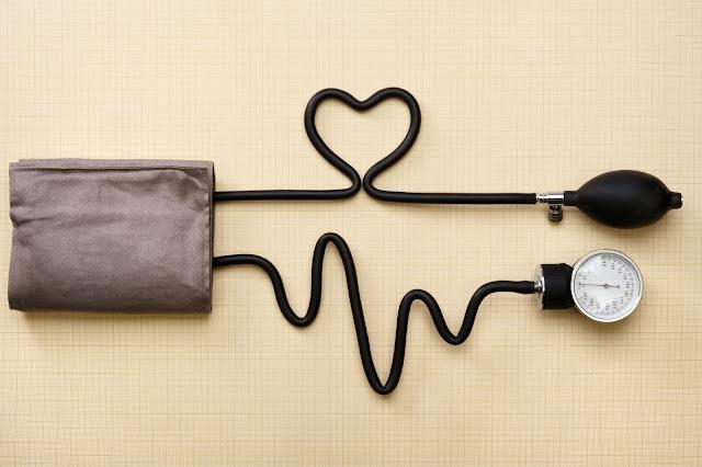 وصفات طبيعية فعالة لعلاج ضغط الدم المرتفع