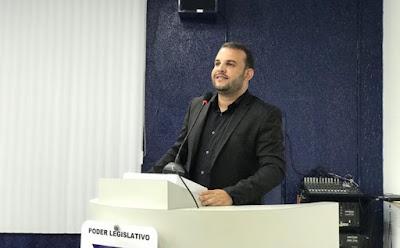 VEREADOR MAX DE ZÉ DE TOINHO COMEMORA APROVAÇÃO DE AUMENTO SALARIAL PARA OS MOTORISTAS DO MUNICÍPIO DE RIBEIRÓPOLIS.