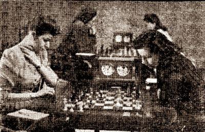 3ª ronda del IX Campeonato femenino de ajedrez de Cataluña 1946, partida Victoria Guinart - Montserrat Asencio