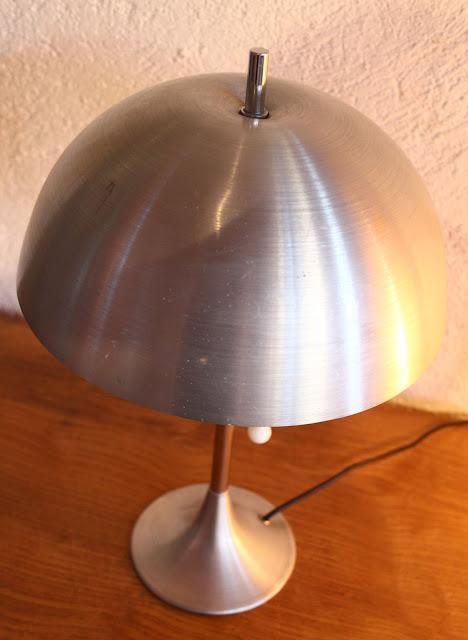 chicbaazar objets vintage 50 60 70 lampe champignon m tal bross 1970. Black Bedroom Furniture Sets. Home Design Ideas