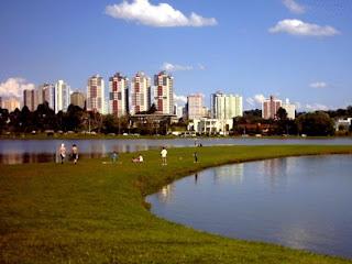 DE VIAJEROS POR CURITIBA - BRASIL 3
