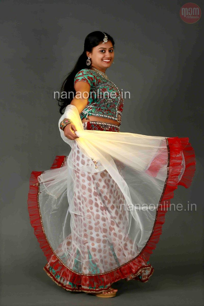 Ansiba Hassan latest hot photoshoot - Mallufun.com