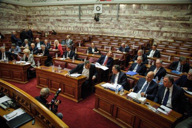 Η Βουλή δεν γνωρίζει το σύνολο της Συμφωνίας -  Η κυβέρνηση αρνείται να την καταθέσει