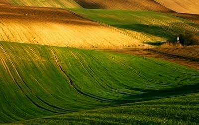 من أجمل الأماكن الطبيعية بالعالم :- منطقة مورافيا التشيكية 0_85367_8e91a66e_ori