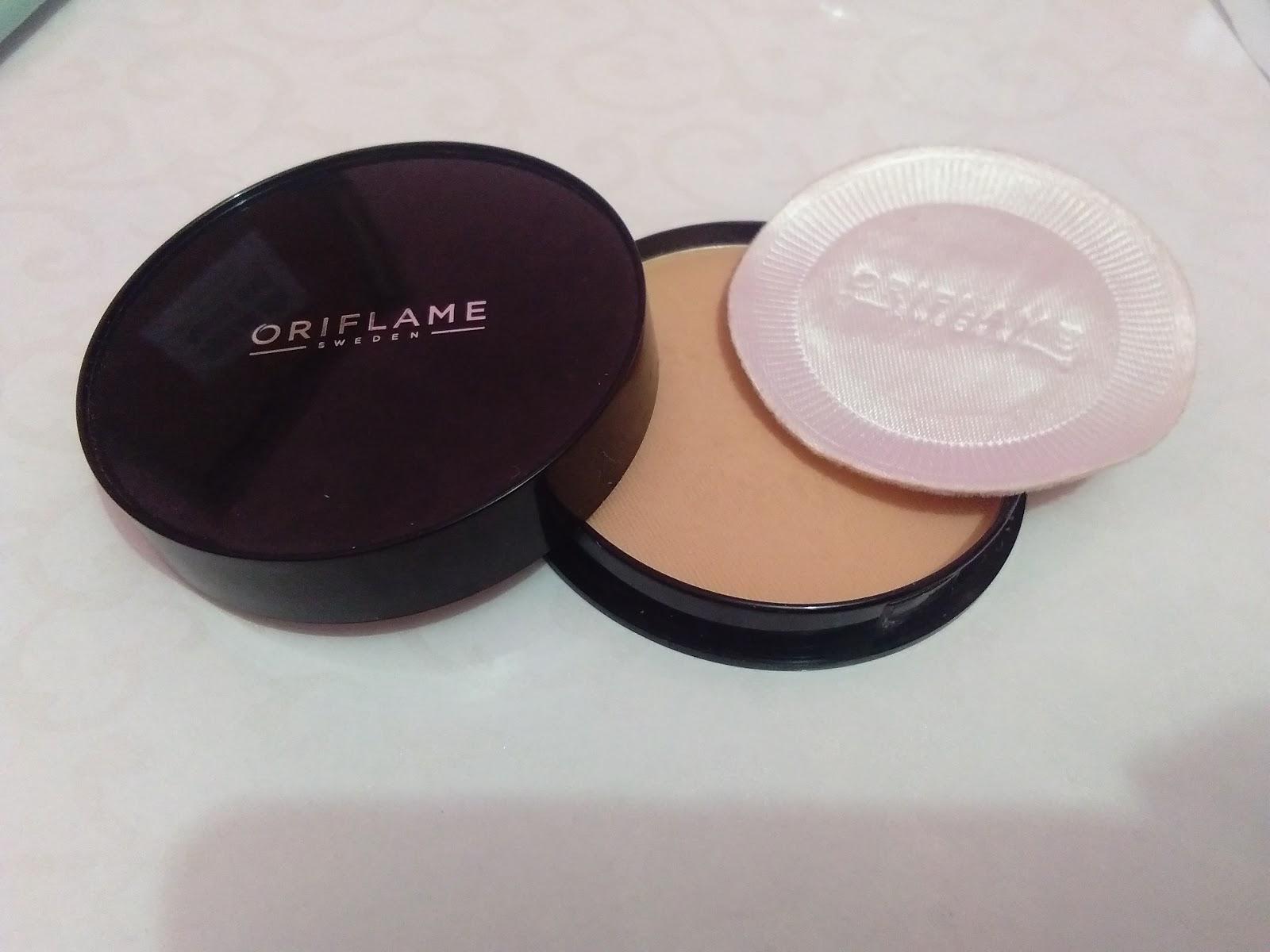 One Touch Review Bedak Padat Oriflame Pure Colour Pressed Powder Ini Memiliki 2 Pilihan Warna Yaitu Light Dan Medium Cocok Untuk Kulit Wanita Asia Yang Berwarna Kuning Langsat Sawo Matang