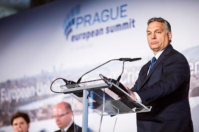 Orbán Viktor, V4, Európai Unió, migráció, menekültválság, visegrádi négyek, Financial Times,