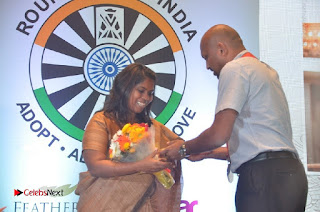 Simran and Vishal at the Launch of The Pride of Tamil Nadu Event Stills  0041.jpg
