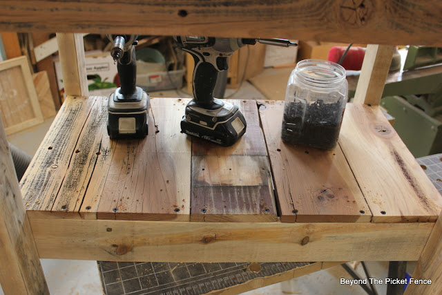build it, makita drill, bar cart, cedar, salvaged wood, http://goo.gl/vDoqBv