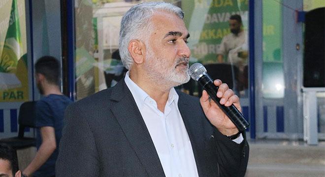 Zekeriya Yapıcıoğlu Ergani'de iftar programına katıldı