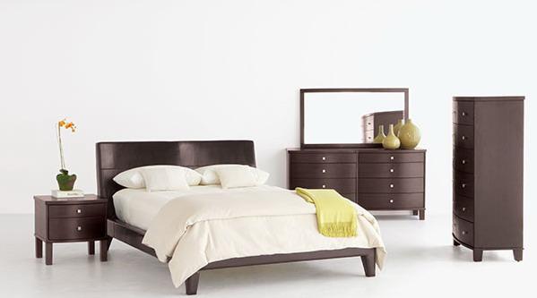 Set Bedroom Minimalis ini dengan harga furniture yang murah ini tidak mengurangi selera kemewahan ruangan anda, set bedroom ini terdiri dari Dipan, 1 nakas, 1 dresser/ meja rias dan 1 almari pakaian. selain desain yang simple dan dinamis. set bedroom ini juga memperindah ruang privaci  anda. set bedroom   yang kami sediakan variabel dari yang ukiran, minimalis dll. Dapatkan kemudahan berbelanja toko online kami Kasby Furniture.