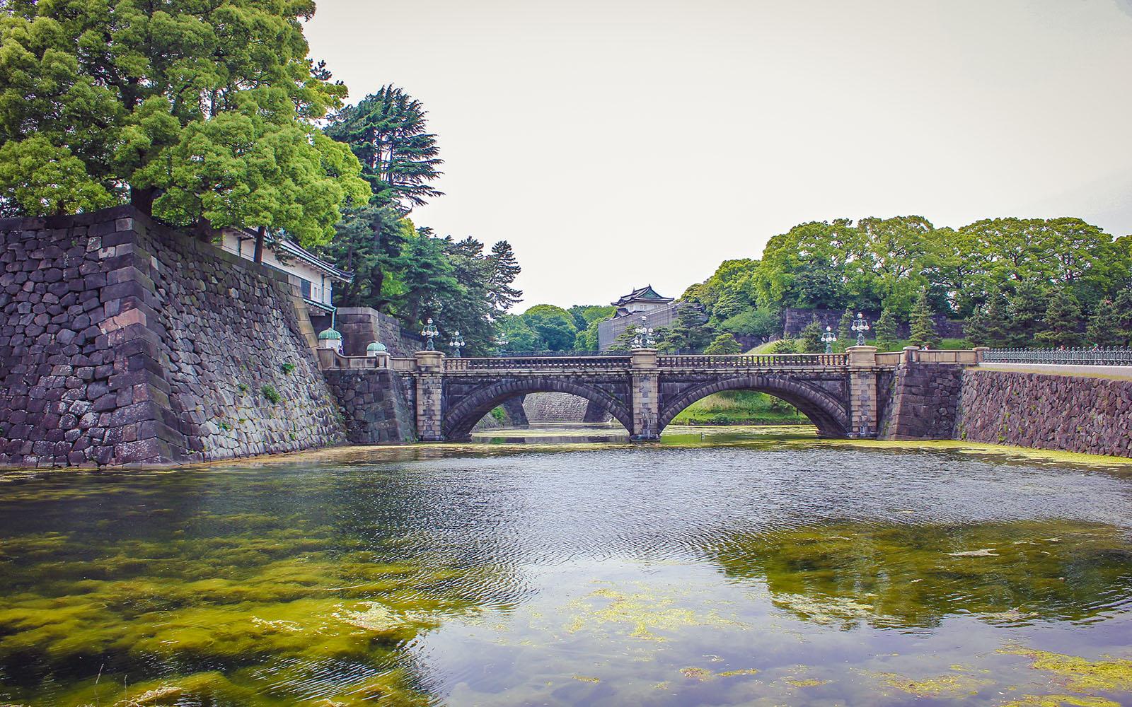 Tokyo imperial palace bridge