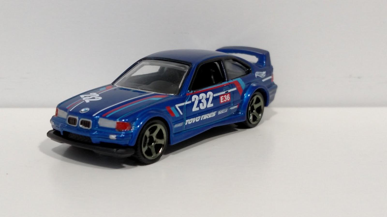 InchDiecastBliss Custom Hotwheels BMW M GTR - 1994 bmw m3
