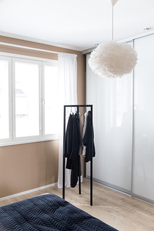 Hay loop stand vaaterekki, eos vita valaisin, makuuhuoneen sisustus,