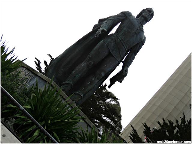 Cristobal Colón, Torre Coit