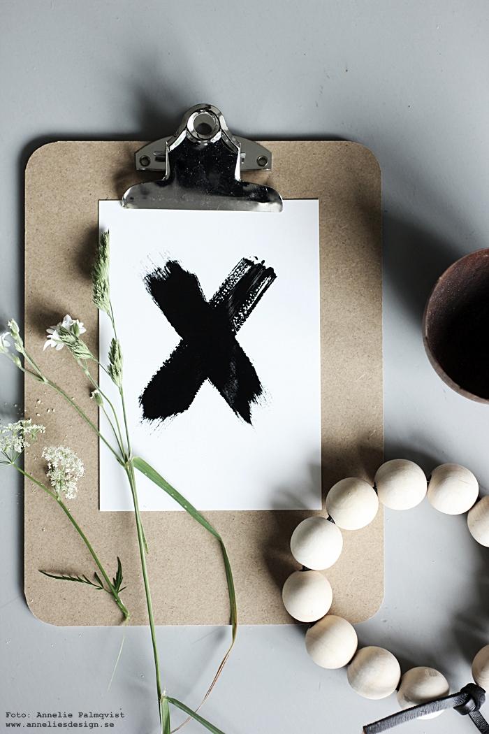 clipboard, clipboards, inredning, annelies design, webbutik, dekoration, kryss, kors, vykort, svartvit, svartvita, svart och vitt,