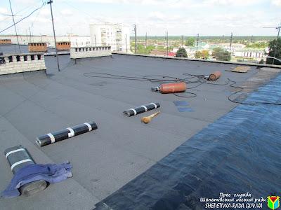 Ремонт дахів будинків в Шепетівці