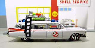 Hot Wheels Club Ghostbusters Ecto-1