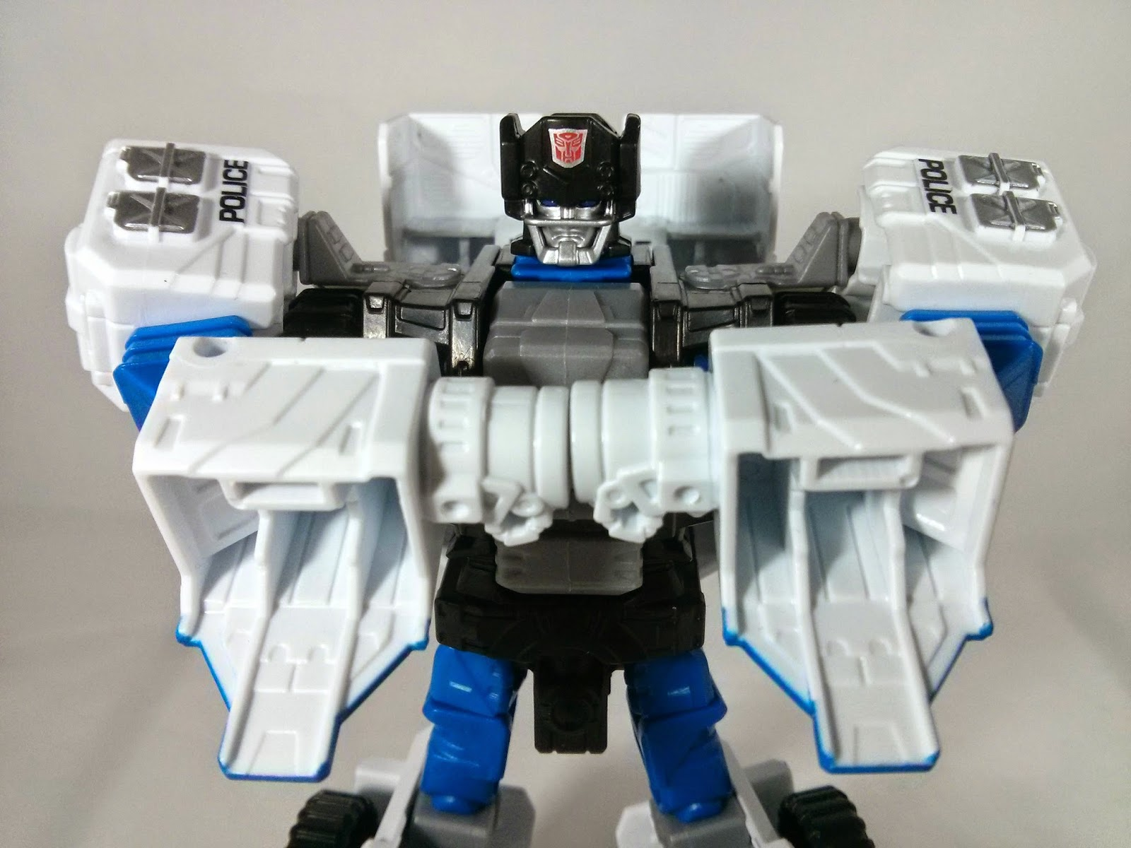 transformers combiner wars rook fists