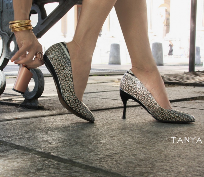 designer creates shoes with removable heels