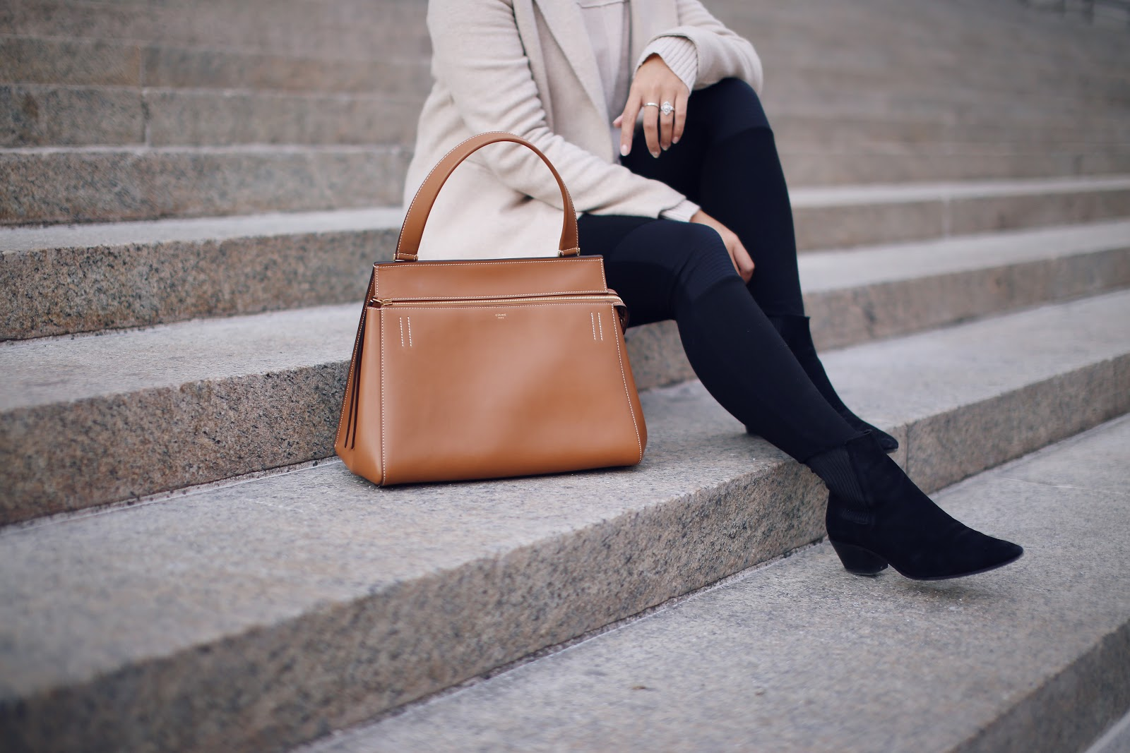 Getting down to business with a bag like this makes working so much better.  I ve always been a fan of the clean lines of Céline bags, but with the  price tag ... 9d0a7d72f7