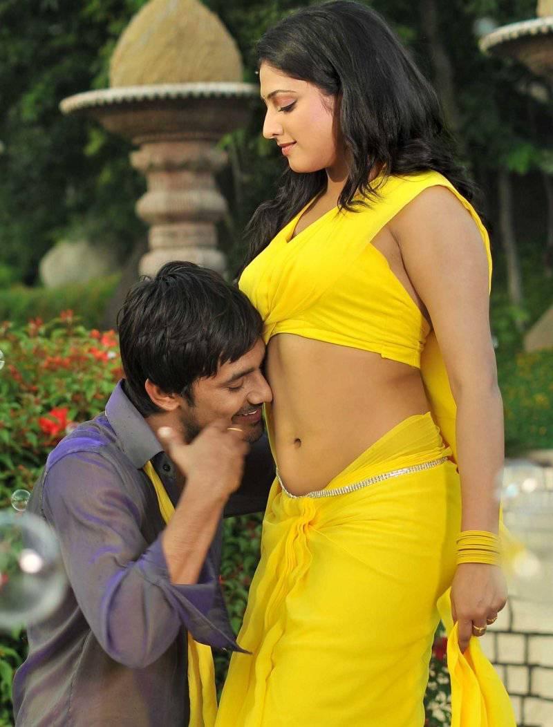 Only Actress Haripriya Navel Kiss By Varun Sandesh-1547