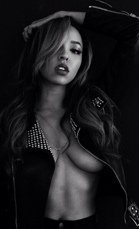 Oh-dear-Lawd-Singer-Tinashe-shows-off-boobs-in-new-photoshoot