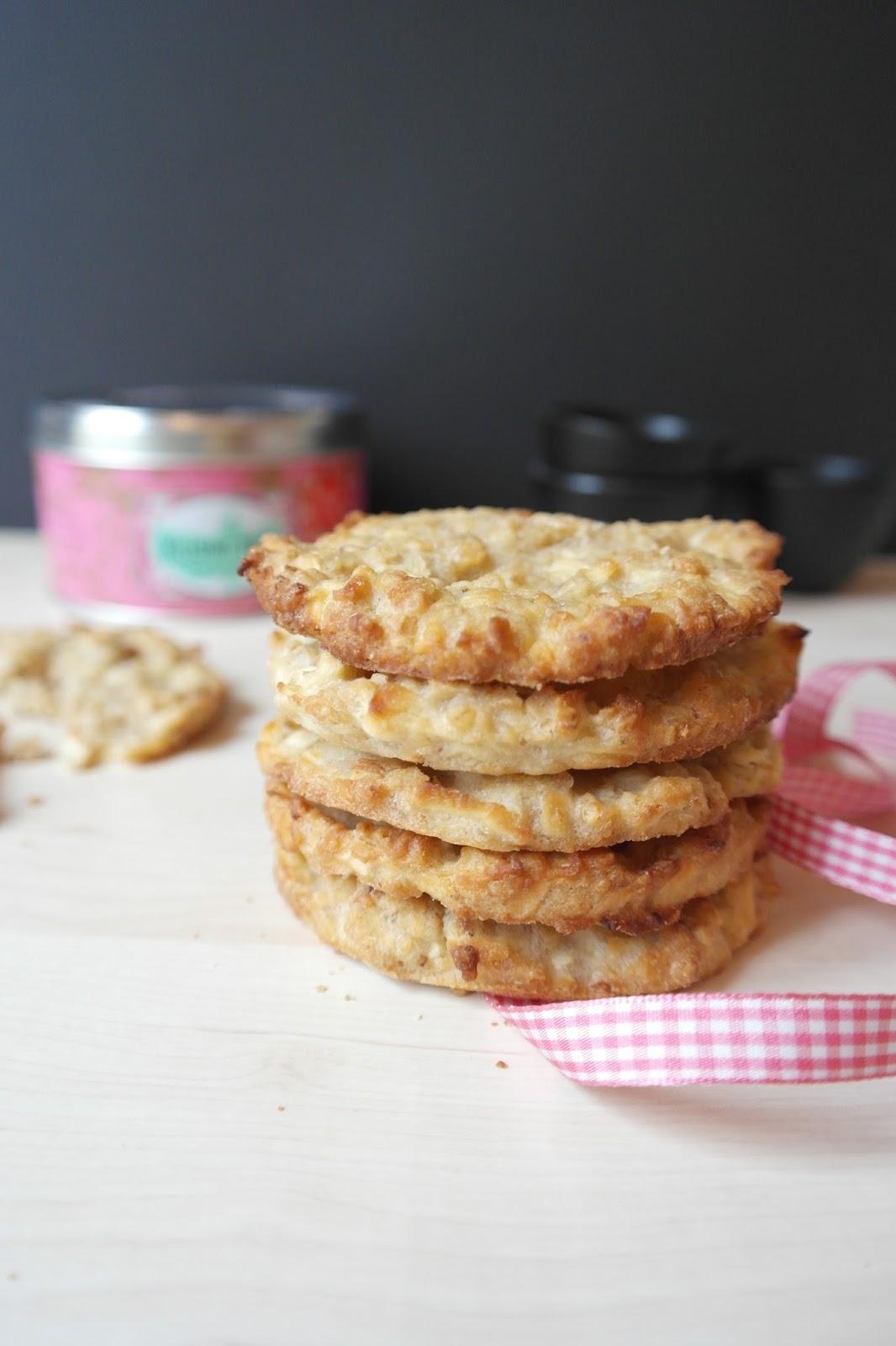petit grain de sel id es recettes et bons plans gourmands cookies aux pommes et flocons d 39 avoine. Black Bedroom Furniture Sets. Home Design Ideas
