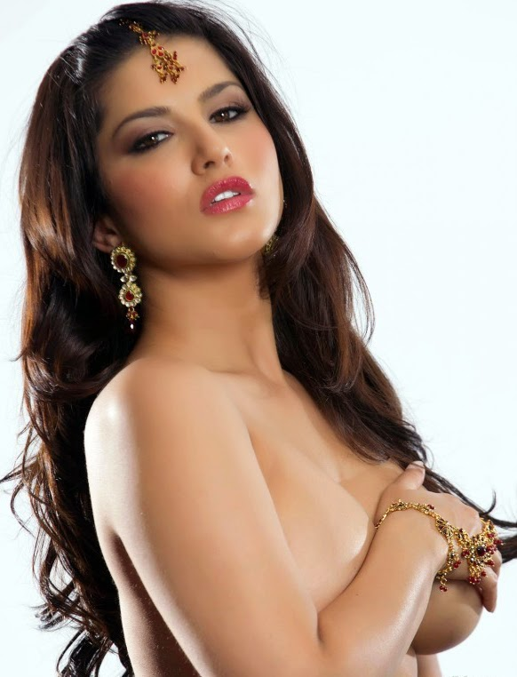 Topless bollywood Actress wallpaper