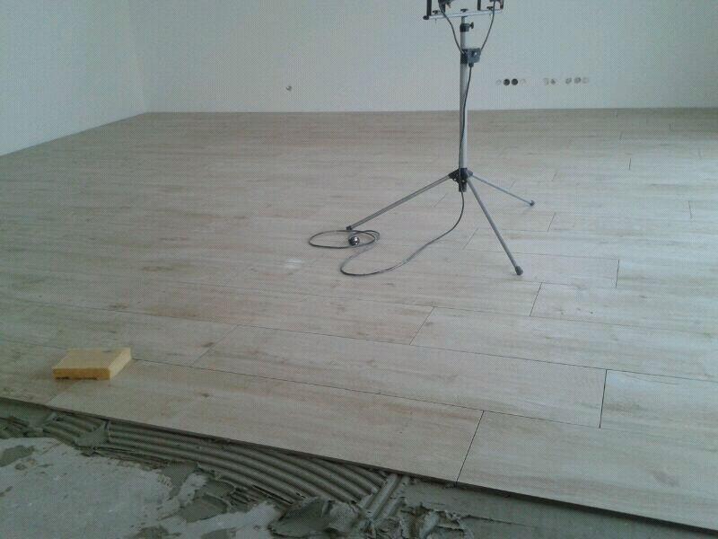 wohnk che fliesen laminat raum und m beldesign inspiration. Black Bedroom Furniture Sets. Home Design Ideas