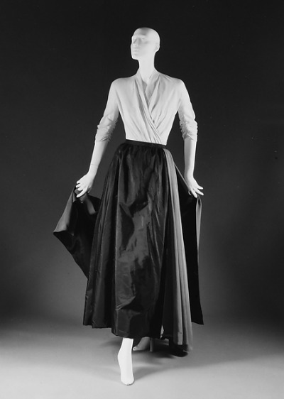 "Christian Dior Spring/Summer 1951 ""Grand Guigno"" displayed on mannequin"