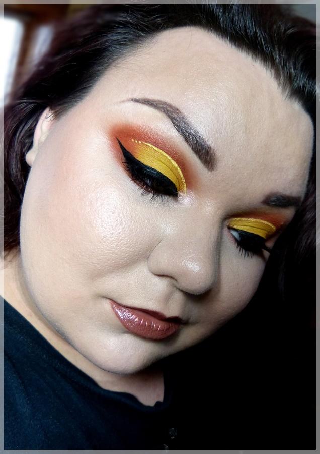 cut crease eye makeup yellow orange