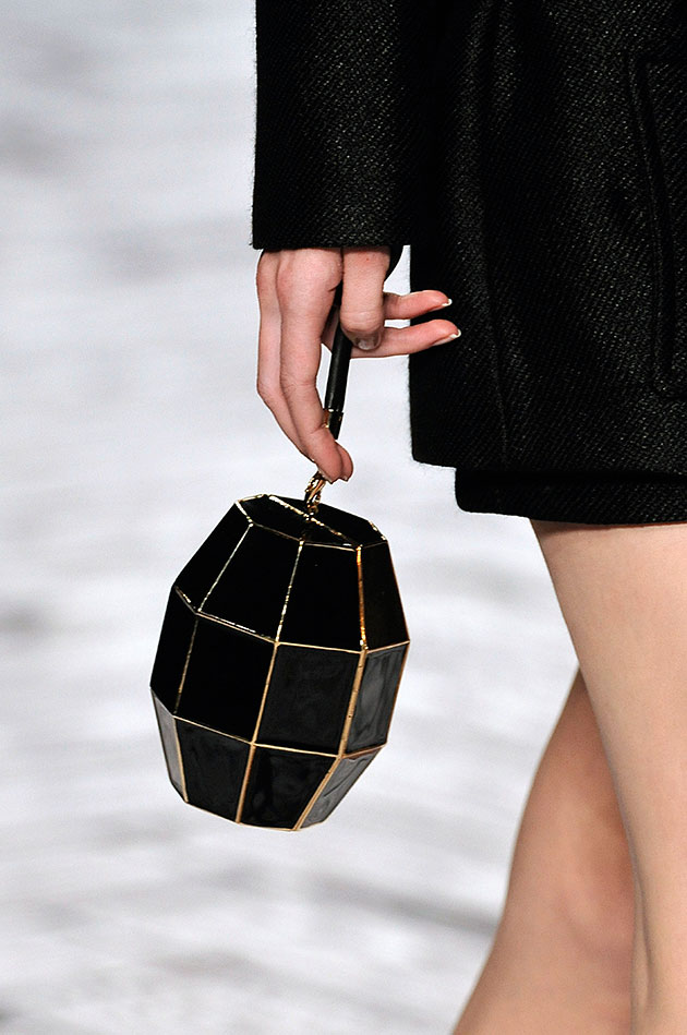 bolsas em formato de perfumes