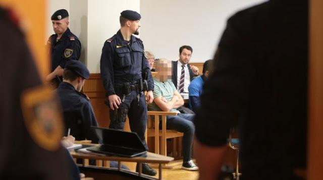 Ιρακινός στρατιώτης ΦΩΤΟΓΡΑΦΗΘΗΚΕ με δύο κομμένα κεφάλια τζιχαντιστών! Ξεκίνησε σήμερα η δίκη του στο Βερολίνο! Κατηγορείται για «εγκλήματα πολέμου»