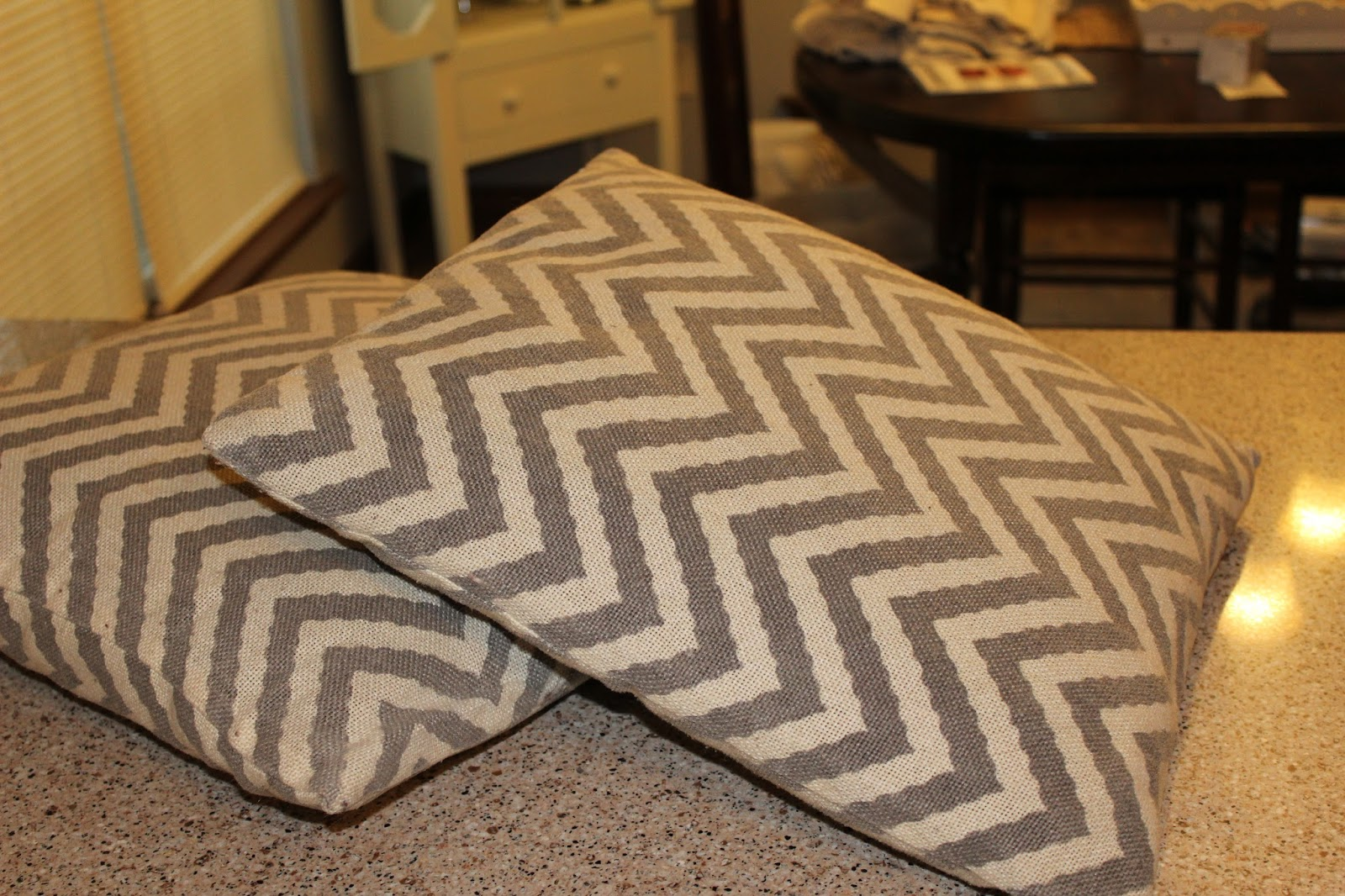 whispers from wildwood how to make comfy cozy pillow covers for winter. Black Bedroom Furniture Sets. Home Design Ideas