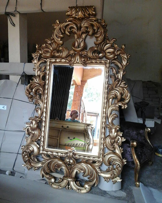 Luxury Furniture From Indonesia: Mahogany Rococo Mirror in Antique Gold Romelou